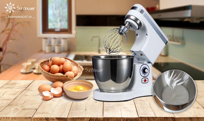 Máy đánh kem trứng B7 rất được ưa chuộng tại các bếp bánh nhờ sự nhỏ gọn, linh hoạt của nó.