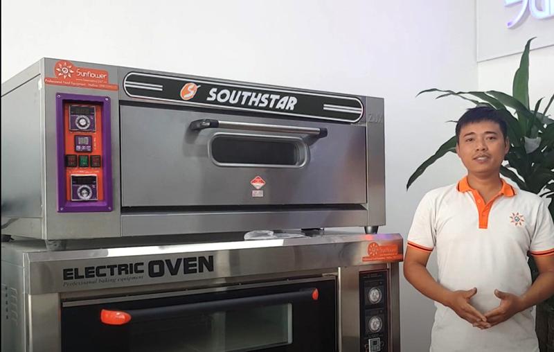 Lò nướng 1 tầng 2 khay southstar được sử dụng phổ biến tại các tiệm bánh, nhà hàng...