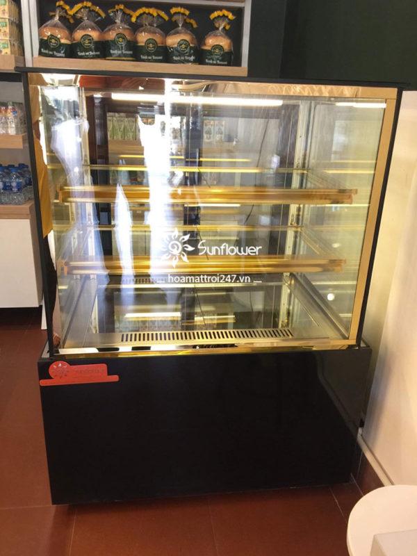 Tủ trưng bày bánh kem mini 3 tầng sở hữu nhiều tính năng thông minh, ưu việt, hiện đại bậc nhất.