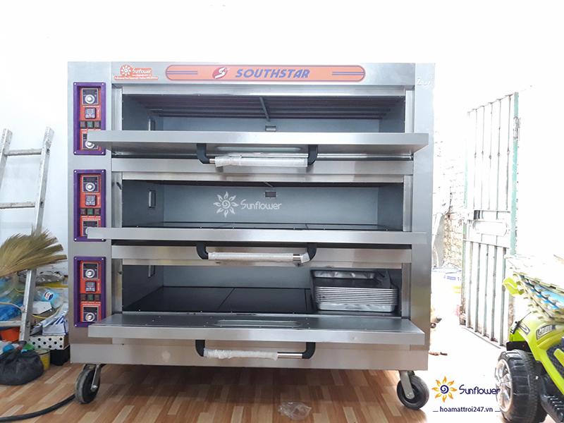 Lò nướng bánh tầng có các khoang nướng và bộ công tắc riêng biệt rất dễ sử dụng