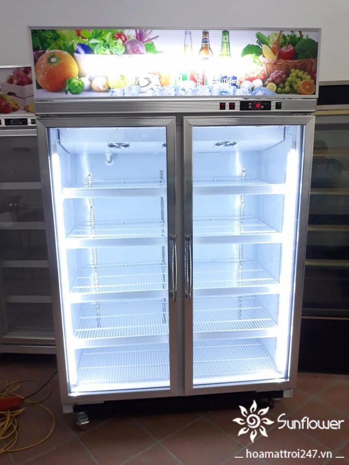 Tủ mát 2 cánh được trang bị hệ thống ánh sáng trắng rất an toàn cho thực phẩm