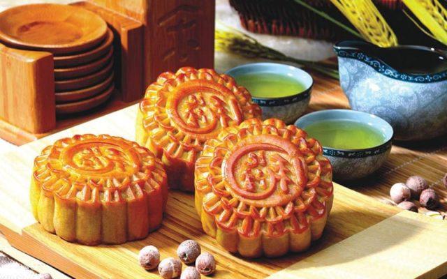 Bánh trung thu - món ăn truyền thống không thể thiếu của người Việt mỗi dịp rằm tháng 8