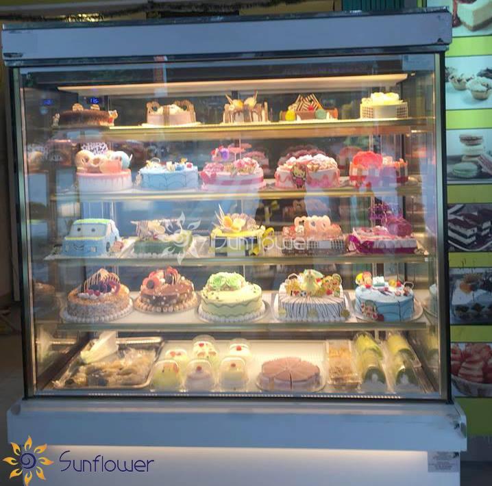 Tủ bánh kem 5 tầng bảo quản được nhiều loại bánh, trái, nước..
