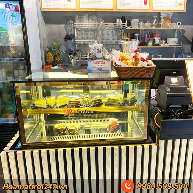Hệ thống đèn LED lung linh khiến những chiếc bánh trở nên thu hút hơn bao giờ hết.